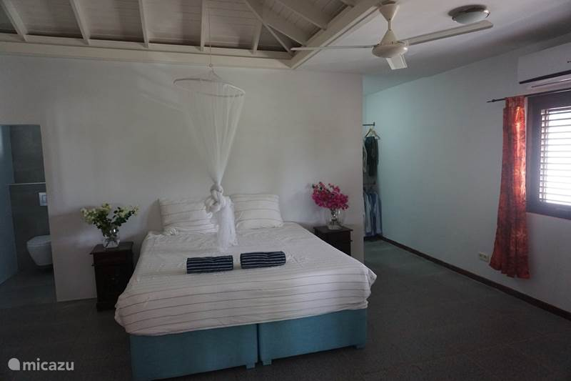 Vakantiehuis Curaçao, Curacao-Midden, Piscadera Vakantiehuis Ruim vakantiehuis met zeezicht
