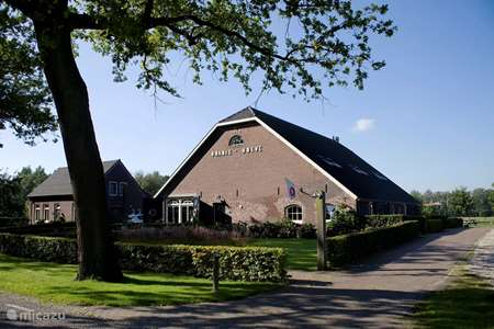 Vacation rental Netherlands, North Brabant, Helenaveen farmhouse Oranjehoeve (12 persons)