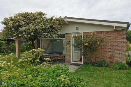 Vakantiehuis Nederland, Noord-Holland, Julianadorp aan Zee bungalow Kiwi