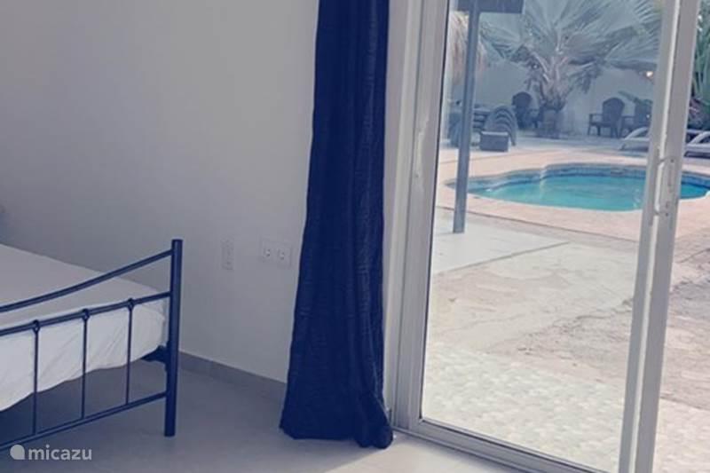 Vakantiehuis Curaçao, Banda Ariba (oost), Seru Bottelier Studio Apartment Curaçao- Studio pool side
