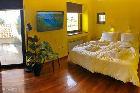 Vakantiehuis Griekenland, Corfu, Gouvia bed & breakfast Lisa M. @ Elvis B&B