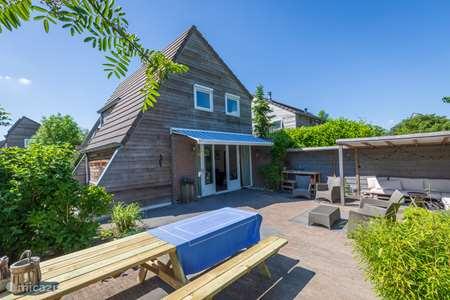 Vakantiehuis Nederland, Friesland, Grouw vakantiehuis Huisje Honderd in Grou
