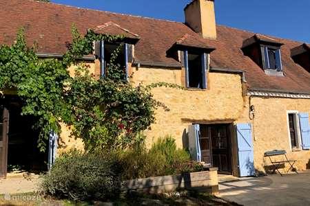 Vacation rental France, Dordogne, Saint-Pompon  holiday house Le Mouton qui Rit