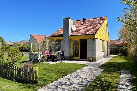 Vakantiehuis Nederland, Noord-Holland, Julianadorp aan Zee bungalow Albatros 267