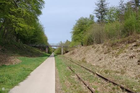Fietspad langs het oude spoor naar Kranenburg en Kleef in Duitsland.
