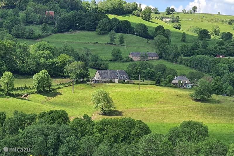 Vacation rental France, Cantal, Saint-Martin-Valmeroux Holiday house La Grange Nozieres