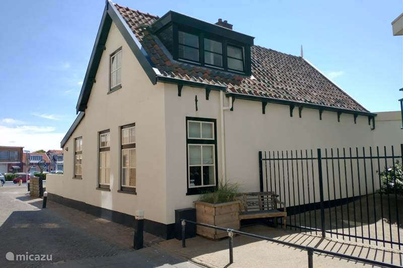 Vakantiehuis Nederland, Zuid-Holland, Noordwijk Vakantiehuis Strandhuis 't Vissershuisje est 1785