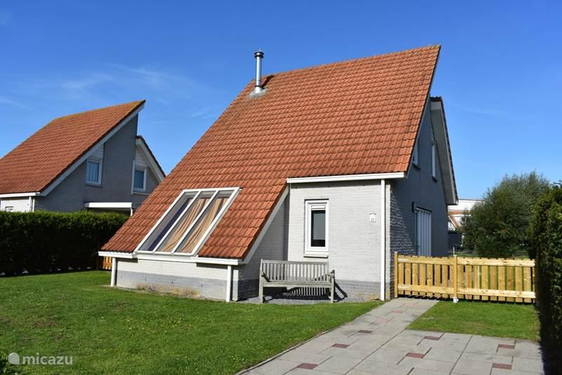 Vakantiehuis Nederland, Zeeland, Scharendijke Vakantiehuis Noordzee vakantiehuis,Sauna,Wifi
