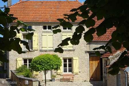 Vacation rental France, Côte-d'Or, Bissey-la-Côte holiday house Le Tilleul