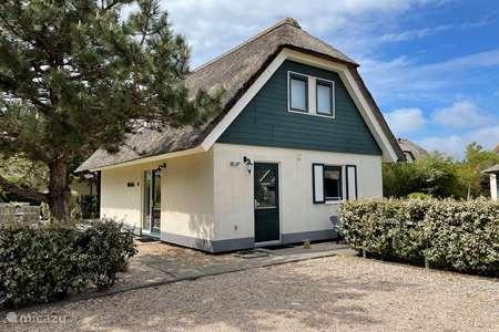Vakantiehuis Nederland, Noord-Holland, Julianadorp aan Zee bungalow Villa Duynopgangh 15