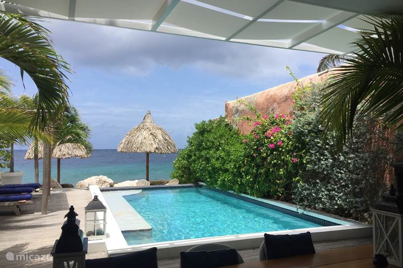 Vacation rental Curaçao, Curacao-Middle, Willemstad Townhouse 5 Star Ocean Front Apartment PM78