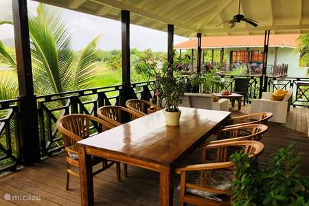 Vacation rental Curaçao, Curacao-Middle, Piscadera - villa Blue Bay Village 47 - The Birdhouse