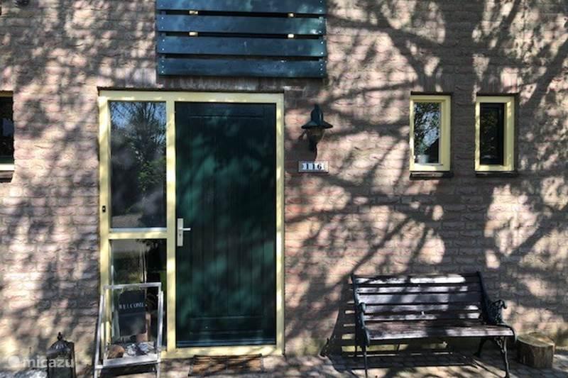 Vakantiehuis Nederland, Gelderland, Ewijk Vakantiehuis Heerlijk huis, hottub, tuin, vogels