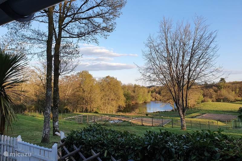 Vacation rental France, Dordogne, Champs-Romain Chalet Maison Bliss