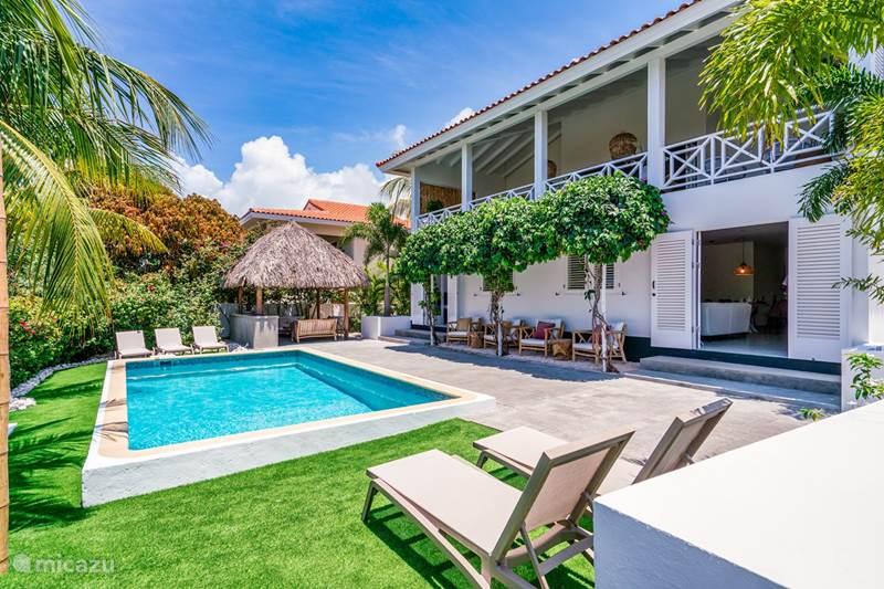 Vakantiehuis Curaçao, Banda Ariba (oost), Vista Royal Villa The Bamboo Beach Villa