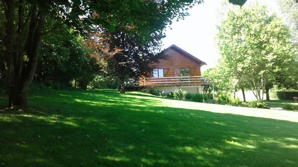 Last minute: Ardennen Prachtig gerenoveerde vrijstaande 4 pers chalet Eekhoorn met grote tuin van 14 juli tot 21 juli van 535,- voor 375,- per week