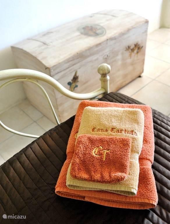 Handdoeken en bedlinnen zijn inbegrepen.