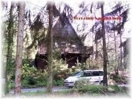 De voorzijde van de bungalow