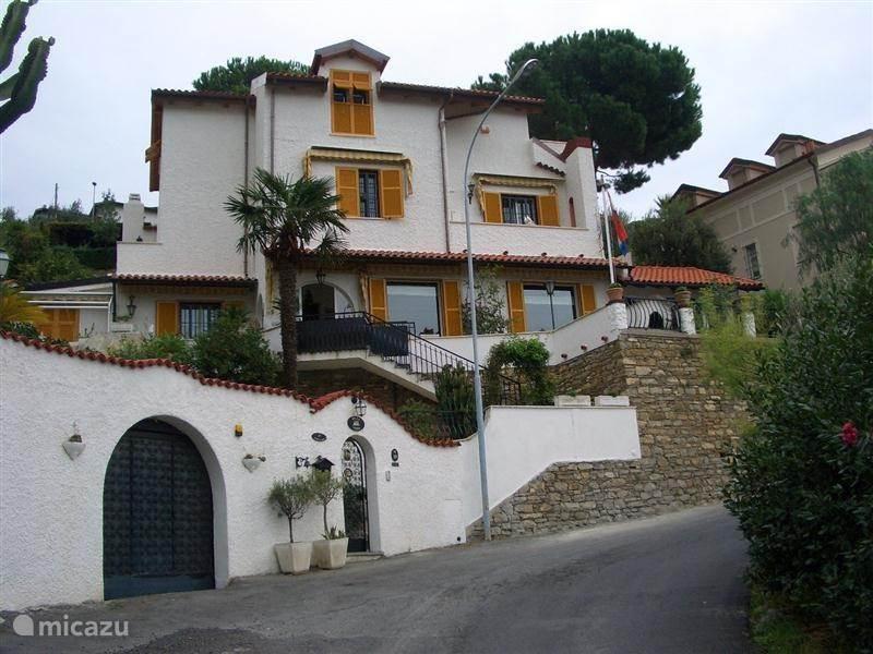 Vakantiehuis Italië, Ligurië, Alassio - studio La Bella Vista