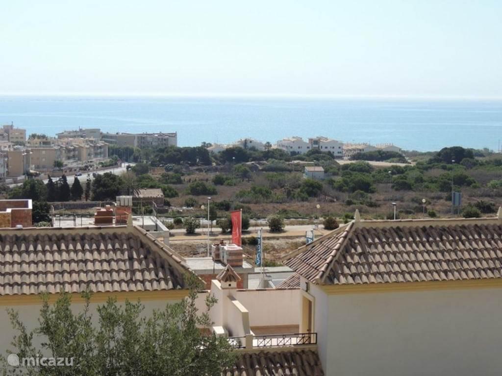 zeezicht vanaf het balkon