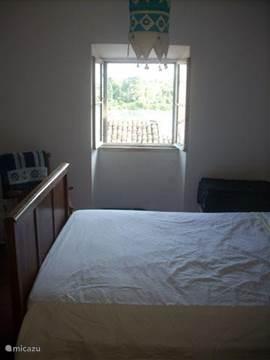 Slaapkamer 1 met zeezicht.