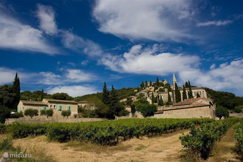 Leuk dorpje in de omgeving: La Roque sur Cèze