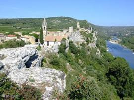 Picturesque medieval village in the Ardèche. Beautiful views of the river and its surroundings.