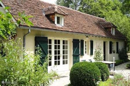 Vacation rental France, Dordogne, Lung holiday house Les Acacias