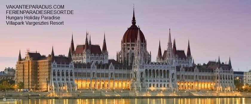Er zijn maar weinig steden in Europa die zoveel te bieden hebben als de Hongaarse hoofdstad Boedapest (Hongaars: Budapest). De stad strekt zich uit over beide oevers van de Donau. Geen wonder dat velen de stad Boedapest de 'koning van de Donau' noemen!   De naam van de stad met haar 1,7 miljoen inwo
