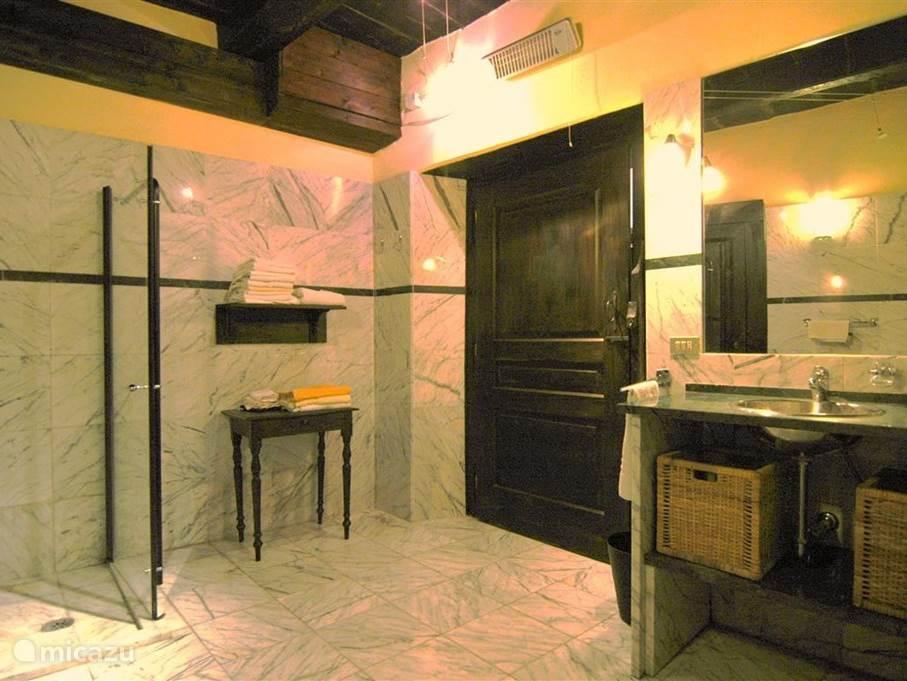 De royale badkamer.