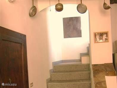 De trap naar het terras, terraskamer en de slaapzolder.