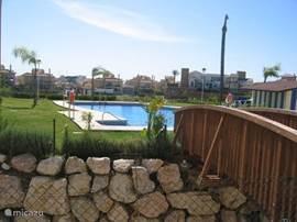 1 van de andere zwembaden, allen met gratis ligbedden!