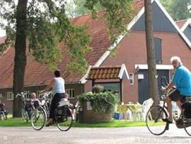 Winterswijk heeft een zeer uitgebrijde fietsnetwerk op zeer veel adresen kunt u iets bezichtigen of bij de open rust platsen zelf voorzien van koffie