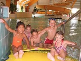 Voor ieder gast een vrijkaart van Zwembad Jaspers op ca 3 km van het park. Een prachtige zwembad met grote glijbaan, wilde waterbaan,enz.