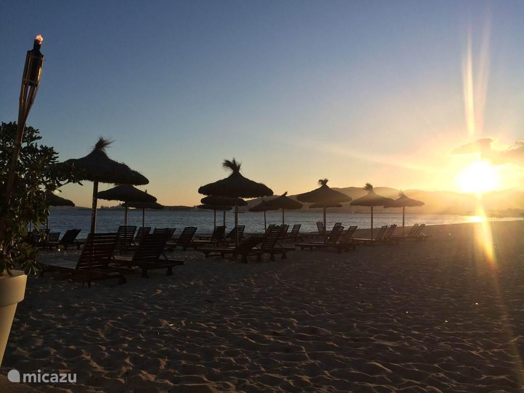 Ondergaande zon bij Club Nassau Beach Palma Mallorca