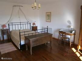 2p slaapkamer,prachtige zonsopgangen en uitzicht over vallei van de Sioule