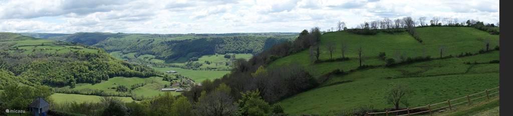 Panoramisch uitzicht in het plaatje Salers