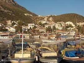 Kas; voormalig vissersdorp met allerlei sportieve (water) activiteiten en bezienswaardigheden in de omgeving, vele restaurants, barretjes.