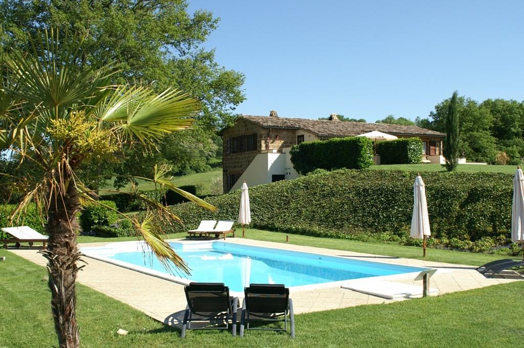 In de mooie Toscaanse nazomer nog even genieten op ons mooie landgoed met zwembad? Dat kan met 15% korting voor de beschikbare data