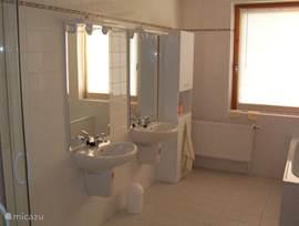 bathroom bg