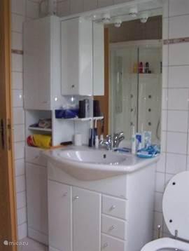 badkamer 1e vd