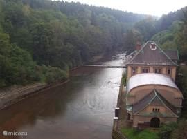 De Labe (Elbe) vanaf de stuwdam gefotografeerd
