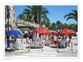 In Puerto de Mazarron is ook een leuke boulevard waar je lekker tapas kan eten. De boulevard in Puerto Mazarron is helemaal vernieuwd.