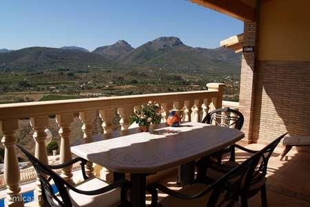 Vacation rental Spain, Costa Blanca, Jalon terraced house Bon Sol