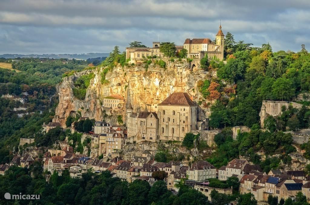 Rocamadour, tegen de rots gebouwd