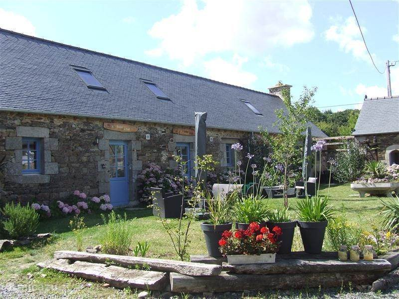 Vacation rental France, Brittany, Hengoat  Gîte / Cottage Gite Le coq Hardi