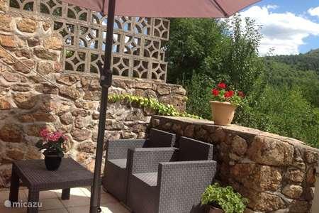 Vacation rental France, Ardèche, Gluiras holiday house La basse Maza - La Glycine