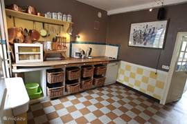 The kitchen is fully equipped including a dishwasher, microwave / oven, washing machine, fridge-freezer, senseo, coffee and bread machine.