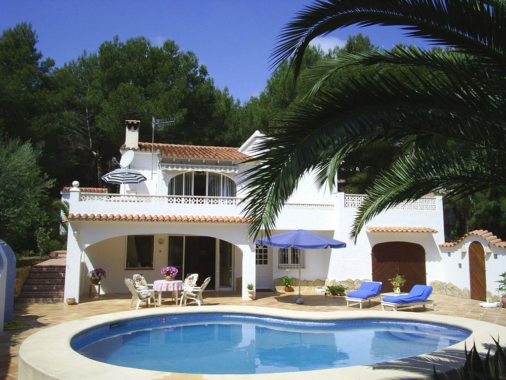 Villa Indalo rustig gelegen met zwembad en zeer veel privacy, nabij strand en dorp, Van 18-8 tot 1-9 nu € 1590. !!!!!!.