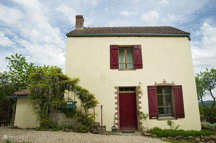 Vacation rental France, Burgundy, Chastellux-sur-Cure holiday house Le Sabotier